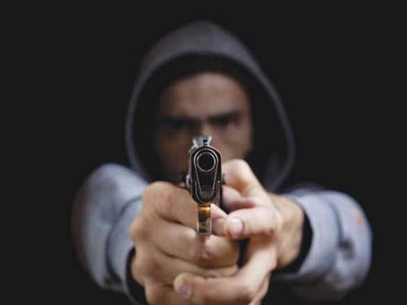 Quadrilha de seis ladrões rouba loja no Centro