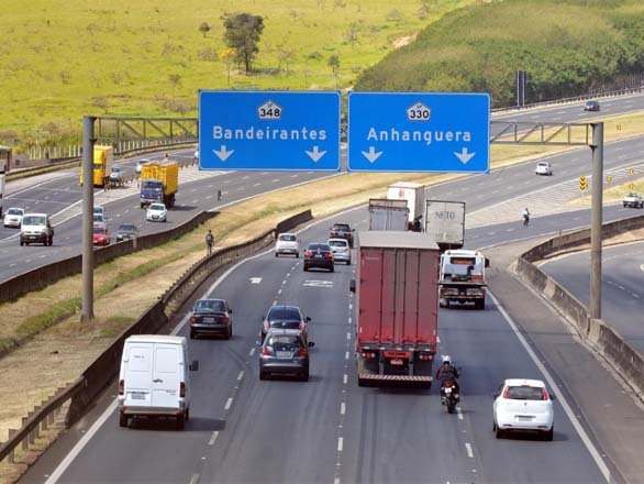 Garota de quatro anos morre após acidente com caminhão