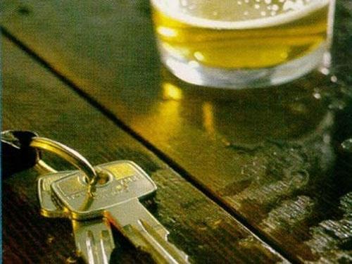Aposentado embriagado causa acidente na Vila Alemã