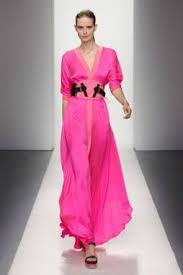 vestido pink longo com rasteira