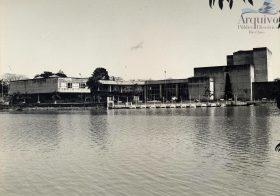 Rio-clarenses debatem o Lago Azul
