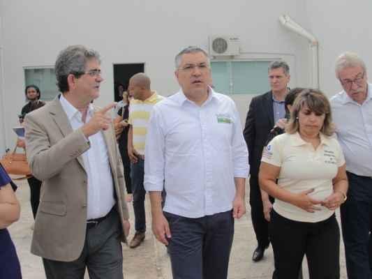Em visita à vizinha cidade, Padilha – agora pré-candidato ao Governo Paulista – disse que a fase agora é de preparação dos editais pelo MEC
