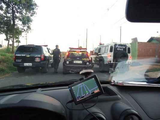Os policiais e o MP de Cordeiro contaram com o apoio da GCM para cumprirem diversos mandados de busca e apreensão em alguns bairros do município