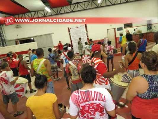 A sede da Vermelho e Branco fica na Avenida 19 com Rua 15, Bairro do Estádio