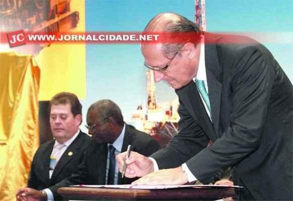 A RMP seria formada pelos 22 municípios que compõem o Aglomerado Urbano criado em 2012