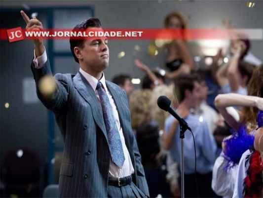 Leonardo DiCaprio protagoniza O Lobo de Wall Street, sob direção de Martin Scorsese