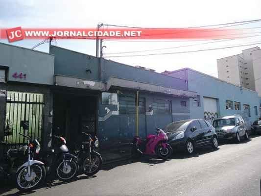 Prédio que hoje abriga a Vara do Trabalho de Rio Claro situado na Rua 4, entre as avenidas 13 e 15, região central da cidade
