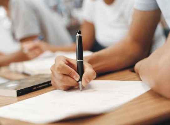 Programa em parceria com a Cultura Inglesa oferece aulas presenciais e a distância para educadores da capital e interior; aulas começam no segundo semestre