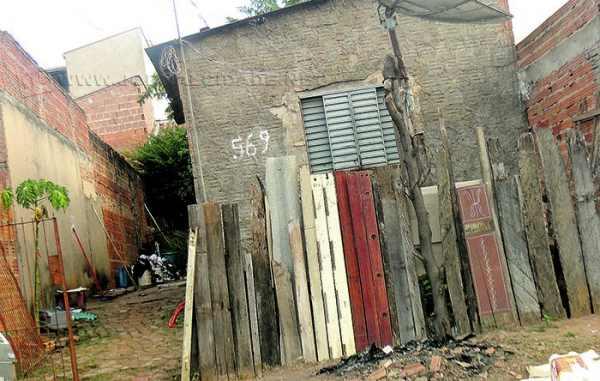 Geraldino Teixeira Chaves de 38 anos foi executado no interior de sua residência, situada no bairro Jardim Santa Maria
