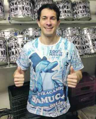Ricardo Rubini, fundador do grupo Batuque da Nega e ritmista da Samuca desde 1989, é o novo mestre de bateria da escola
