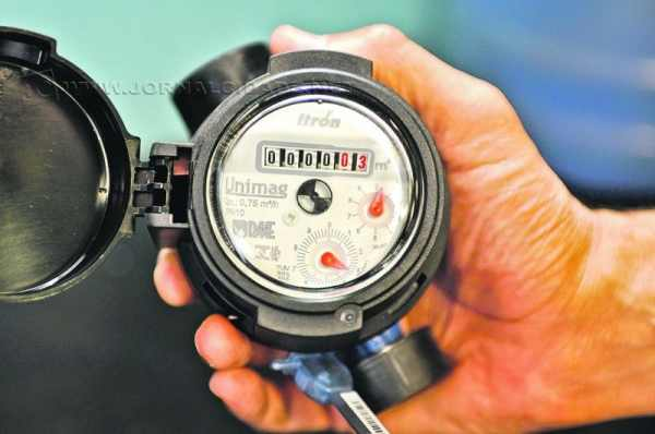 Caminhão-pipa particular tinha permissão para retirar água de hidrante no Santana