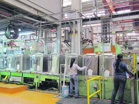 Fábrica da Whirlpool Rio Claro produz, também, lavadoras de roupa, que lideram as exportações da linha branca