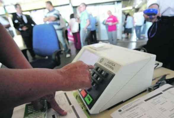 Eleitor pode votar em trânsito nas eleições gerais de outubro de 2014 (foto Elza Fiuza/ABr)