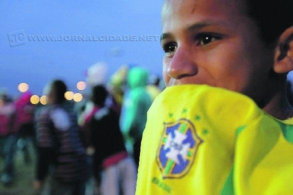 Jogo acontece às 17 horas em Brasília