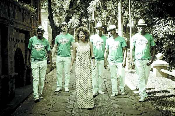 Samba D'Aninha anima a Feijosamba da Uesca