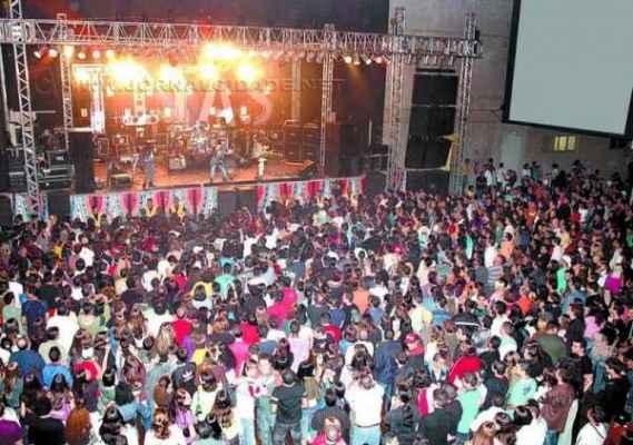 O Grêmio tem grande tradição na realização de shows e recebeu vários nomes de destaque