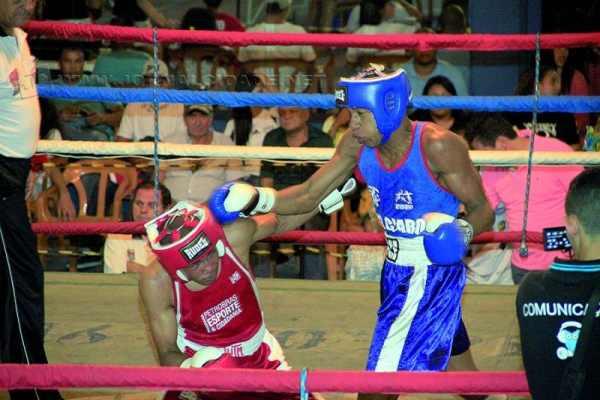 Em fevereiro, Augusto Pires, o Cafu (à direita), conquistou a Forja de Campeões em São Paulo