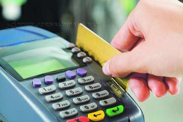 Senado aprovou o PDS 31/2013, de autoria do senador senador Roberto Requião (PMDB-PR), que permite a cobrança de preço diferenciado no cartão