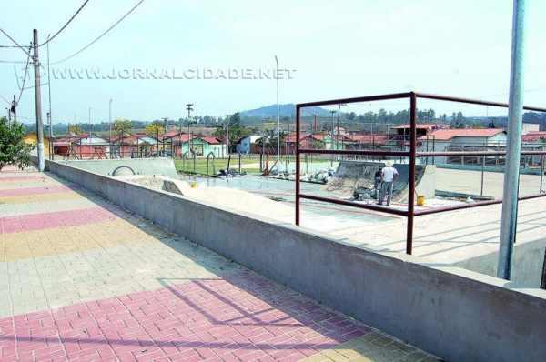 Uma das obras mais aguardadas pela comunidade jovem dessa região é a Pista de Skate