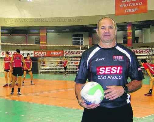 O ex-atleta José Montanaro Junior atualmente é gestor de esporte do Sesi de São Paulo, principalmente das equipes de vôlei