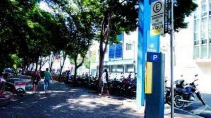 Parquímetro instalado no Jardim Público no cruzamento da Avenida 3 com a Rua 3, região central de Rio Claro