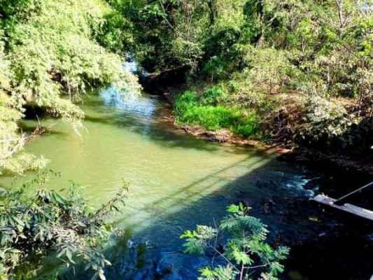 Vista do Rio Corumbataí em sua passagem pela região do Jardim Nova Rio Claro