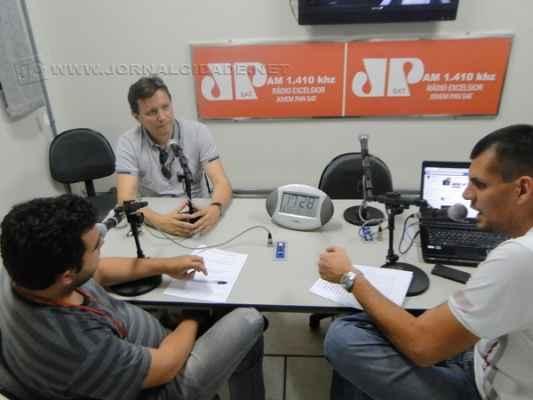 Tu Reginato, Antonio Archangelo e Ivo Rosalem em programa da Rádio Excelsior Jovem Pan