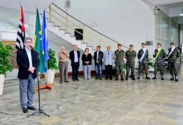 Atividade cívica realizada no Paço Municipal na segunda-feira (1º) abriu a Semana da Pátria no município de Rio Claro