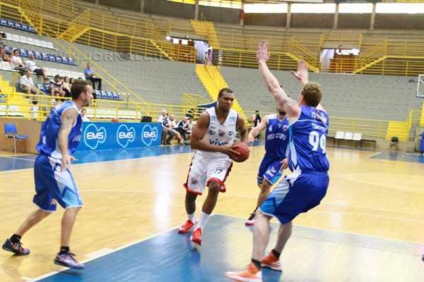 RC Basquete realizou três jogos-treino nesta pré-temporada (Foto: Angelo Pedigone/Comércio da Franca)