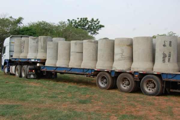Diversas carretas de tubos foram entregues para aplicação no Residencial