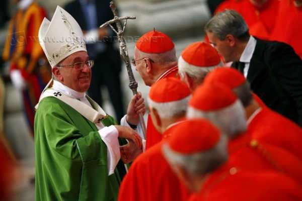 Sínodo dos Bispos teve início no domingo (5), no Vaticano, e tem como temas principais a evangelização e a família