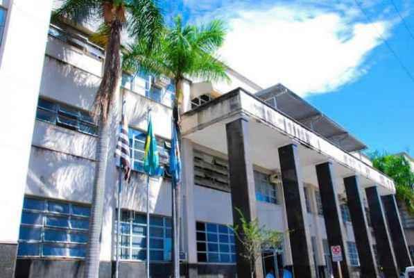 Em audiência de prestação de contas, o secretário Perissinotto avisou que estão em andamento 2.661 processos trabalhistas