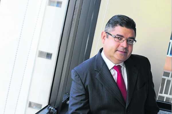 """""""Quase 40% do PIB do Brasil é destinado à carga tributária"""", afirma o advogado Enos Alves"""