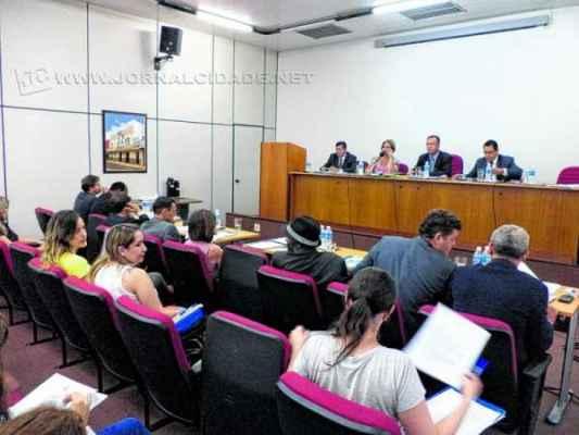 Imagem da sessão ordinária da Câmara Municipal realizada nessa segunda-feira, 20 de outubro
