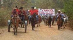 Devotos de N. Sª Aparecida se reúnem em cavalgada