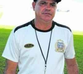 O último clube que Waguinho Dias comandou foi o União Barbarense, 12º colocado na A-2