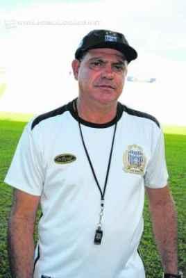 O último clube que Waguinho Dias comandou foi o União Barbarense, 12º colocado na A-2 (Foto: Francisco R. de Godoy/Diário SBO)