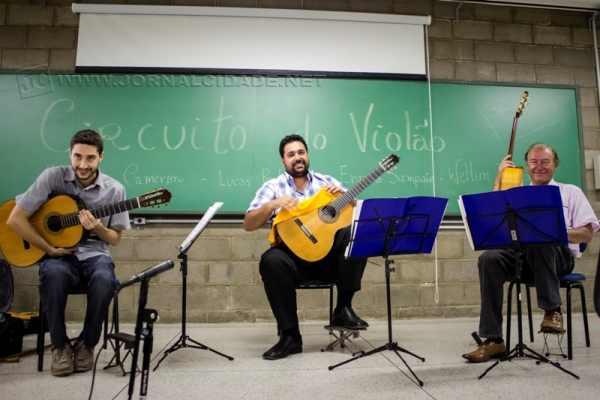 Circuito do Violão é uma associação de violonistas que tem como objetivo divulgar o violão na região