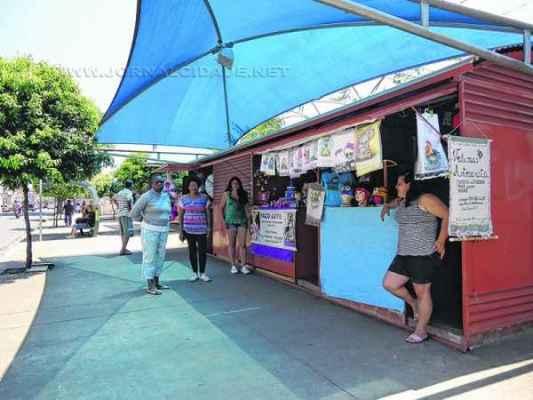 Em setembro de 2011 foram entregues os quiosques da Rua 1, que nunca foram ocupados pelos comerciantes do Jardim