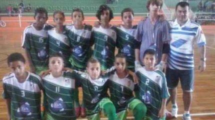 Time da categoria Sub 13 do Futsal de Cordeirópolis, bicampeão na Liga Regional Ferreirense. (Foto: Divulgação)