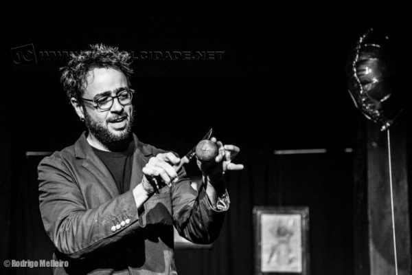 William Seven apresenta espetáculo de mágica em Rio Claro