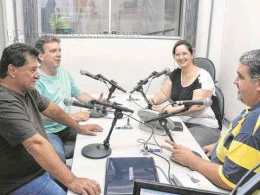 Teddy Nelson (de camiseta verde) e Tiroley participaram do Programa Fátima Moreno