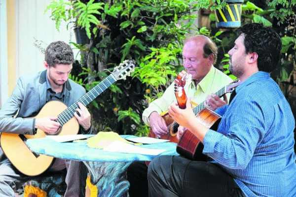 O Circuito do Violão é uma associação de violonistas, que tem como objetivo divulgar o violão em Rio Claro e região