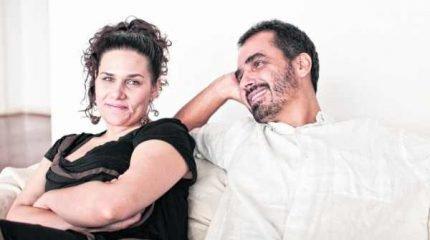 Do encontro entre a cantora portuguesa Susana Travassos e o compositor e violonista brasileiro Chico Saraiva resultou um CD de voz e violão