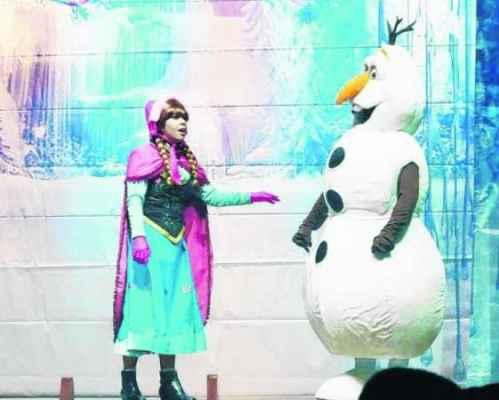 """""""Frozen - Uma Aventura no Gelo"""" é uma livre adaptação do cinema para o teatro"""