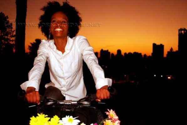 Atriz rio-clarense Aline Negra Silva é considerada um dos sete negros que fazem a diferença no teatro