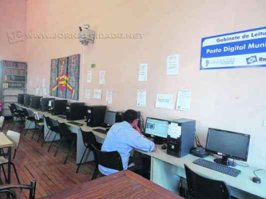 Munícipe sugere melhorias na velocidade da internet e a construção de um jardim no local