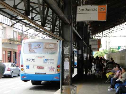 Cobrador percorria linha Bonsucesso/Novo Wenzel e foi baleado após recusar passagem gratuita a uma passageira