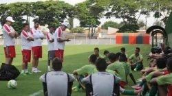 Mais oito jogadores que estavam em período de avaliação no Rubro-Verde foram dispensados pelo técnico Waguinho Dias