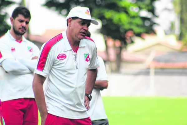 Waguinho vai valiar o elenco em jogos-treino em janeiro, contra equipes de um nível maior